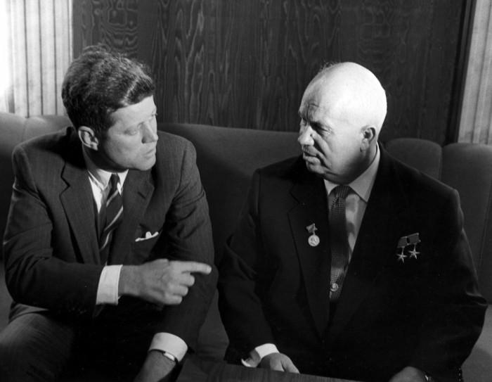 JFK_Kruschev-700x543