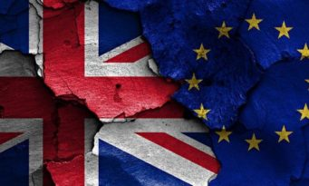 brEXIT_FlagsChipped1